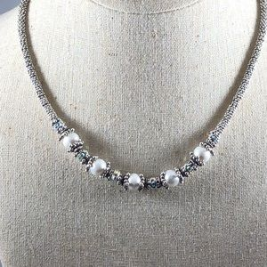 Jewelry - Opalescent crystal necklace
